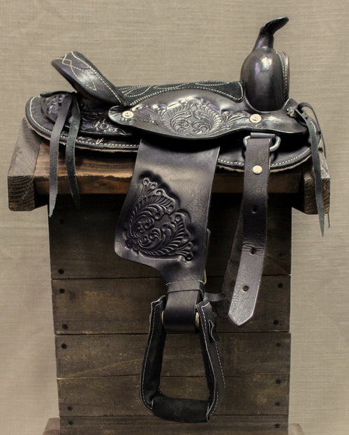 who used lassos lariats steel spurs and saddles