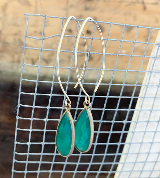 Green Onyx Chalecedony Long Drops  Earrings