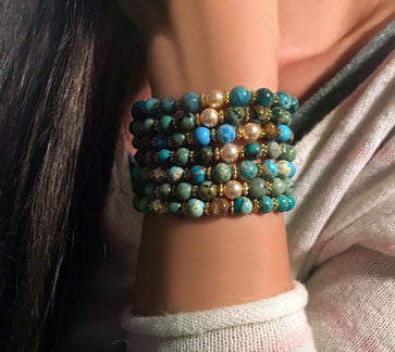 Mixed Green and Blue Turquoise Bracelets on Stretch Cord with Freshwater Pearl