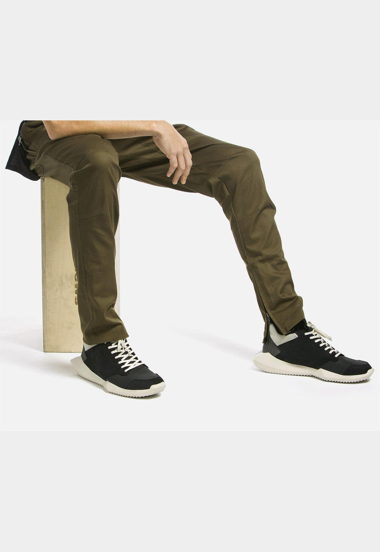 Darted Twill Ankle Zip Pants (Kombu Green)
