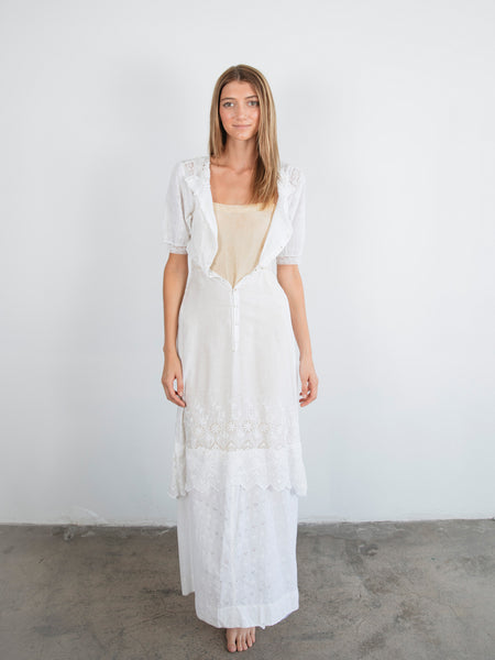 VICTORIAN WHITE LACE MAXI DRESS