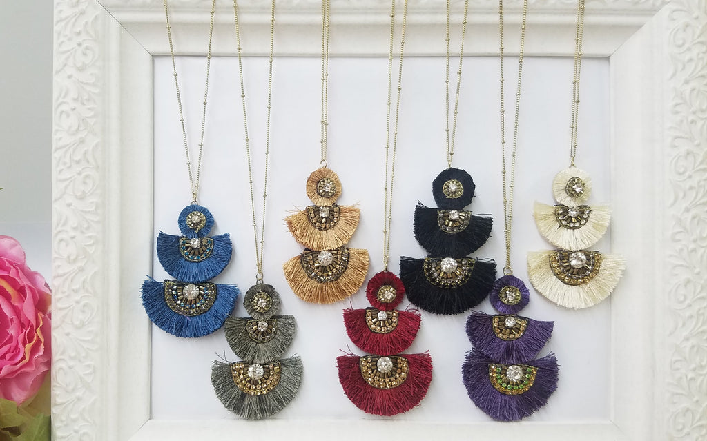 Fashion color fan tassel necklace