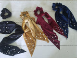 Fashion Velvet And Pearl Scrunchie