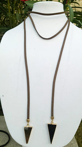 Leather choker with natural stone arrow pendant - Brown