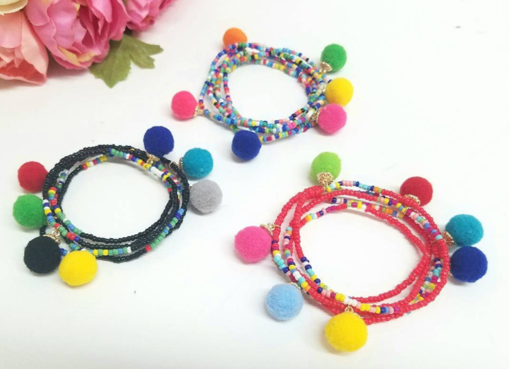 Mixed beads with Pompon Strech Bracelet