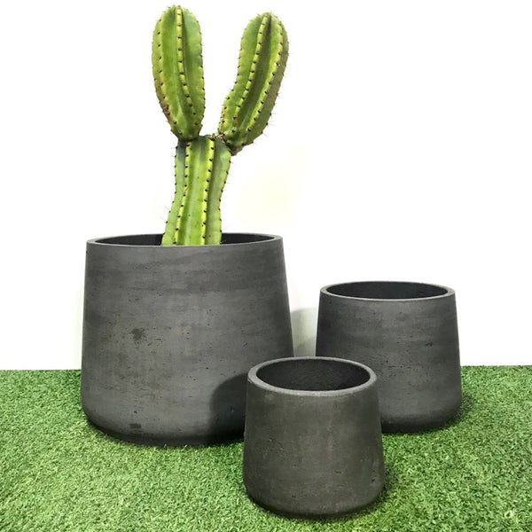 Squash Pot Black Wash Set of 3. Min order 4 sets