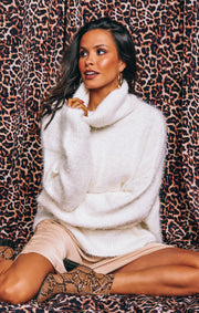 Fatima Turtleneck Sweater Fuzzy White Knit