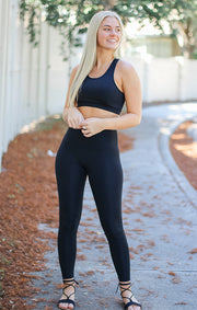 The Performance Essential Highwaist Legging (Black)