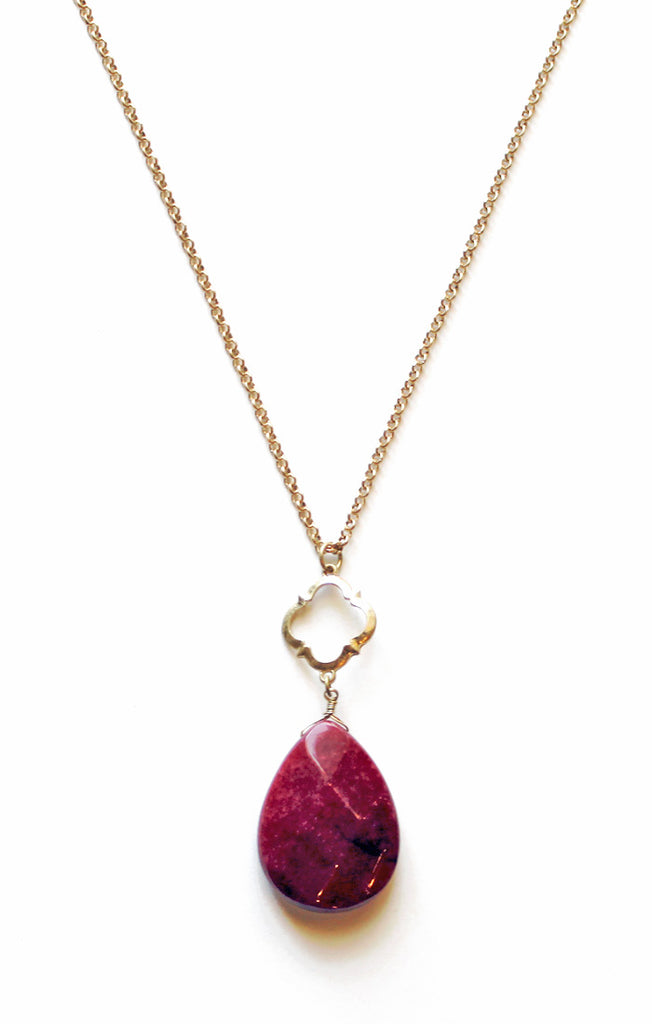 Quarterfoil Garnet Stone Necklace