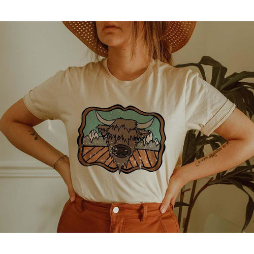Highland Cow & The Mountains Tee - Cream