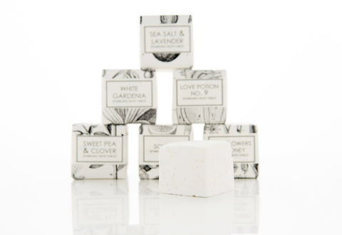 BATH FIZZY - SWEET PEA & CLOVER - Give Lovely
