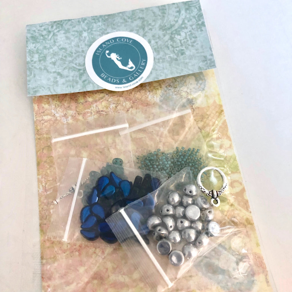 Around My Heart bracelet kit - Blue Hearts