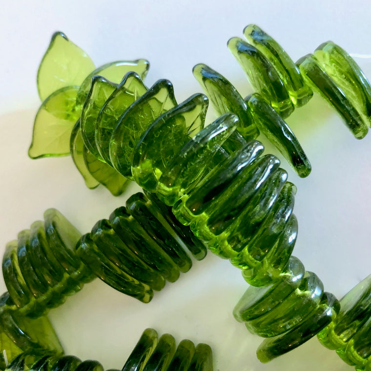 Czech glass Top-drilled Leaf beads - Olivine