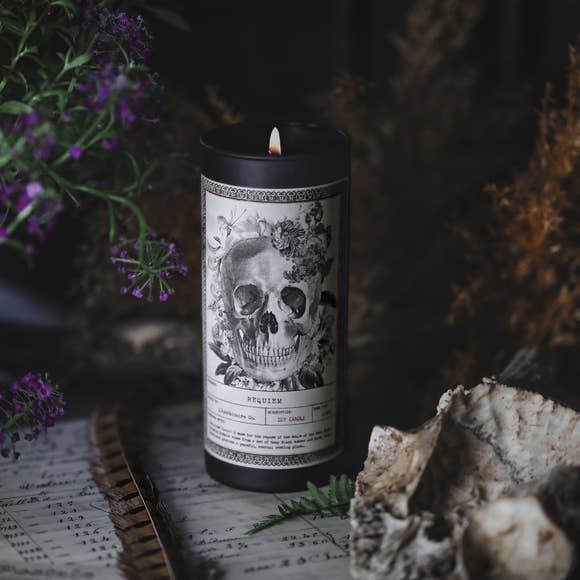 L'APOTHECAIRE SKULL CANDLE