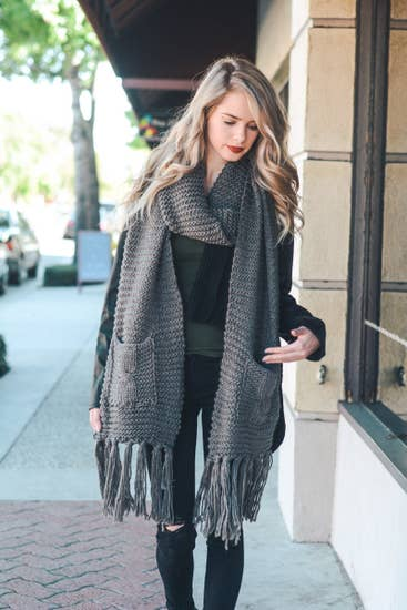 WINTER POCKET SCARF