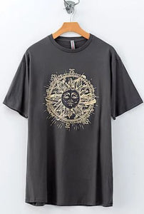 SUNDIAL PRINTED GRAPHIC TEE