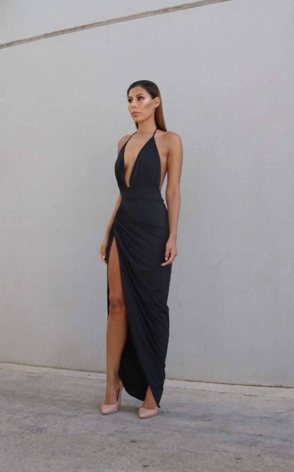 VIXEN GOWN - BLACK