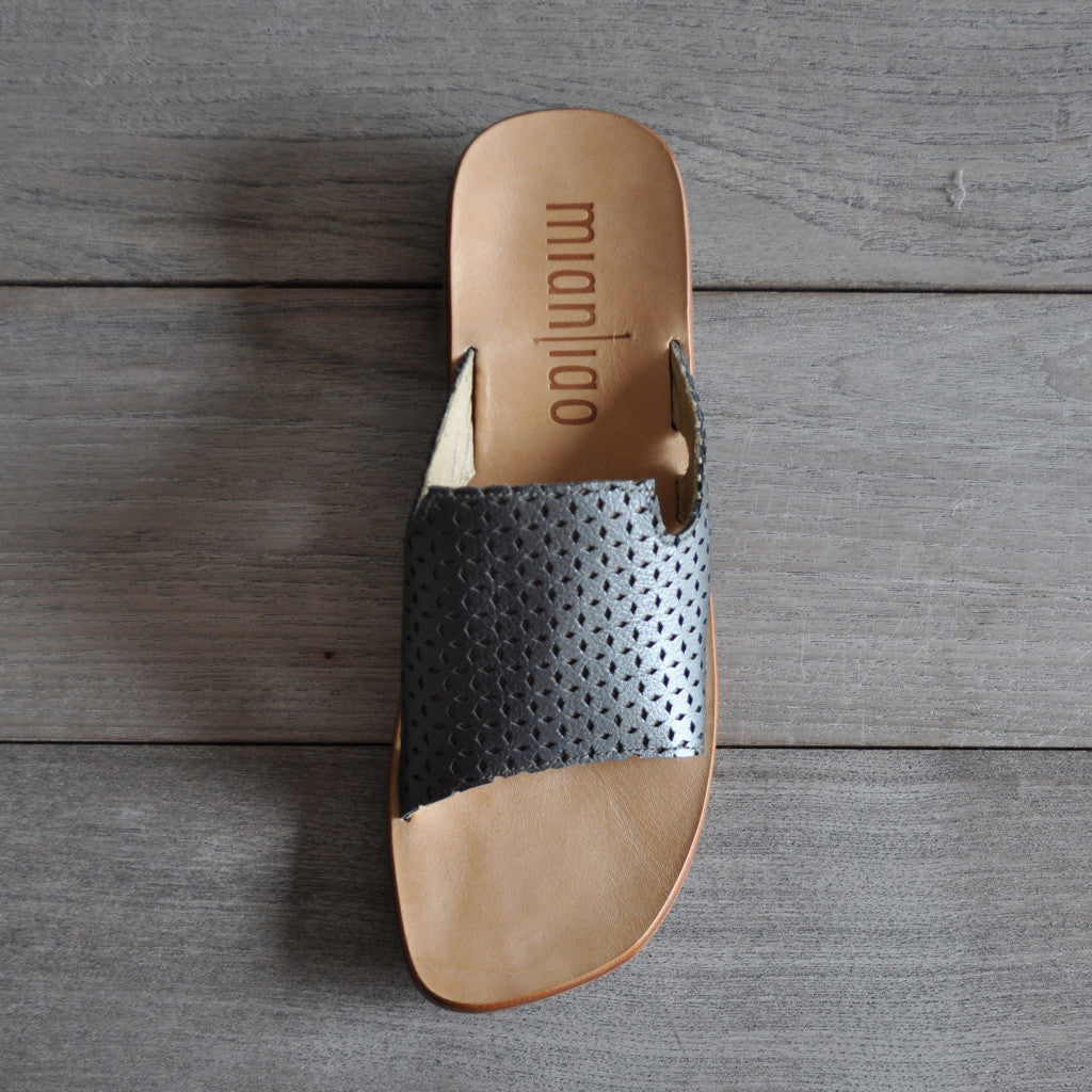 Mianliao Slide Sandals - Leather Pewter