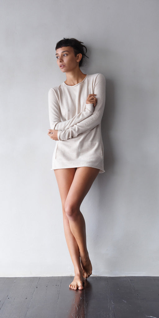 Fine Cashmere Womens Crew-Neck Sweater in Gobi