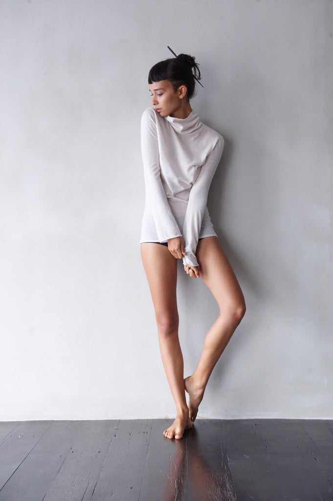 Superfine Cashmere Turtle-Neck  Women's Clothing