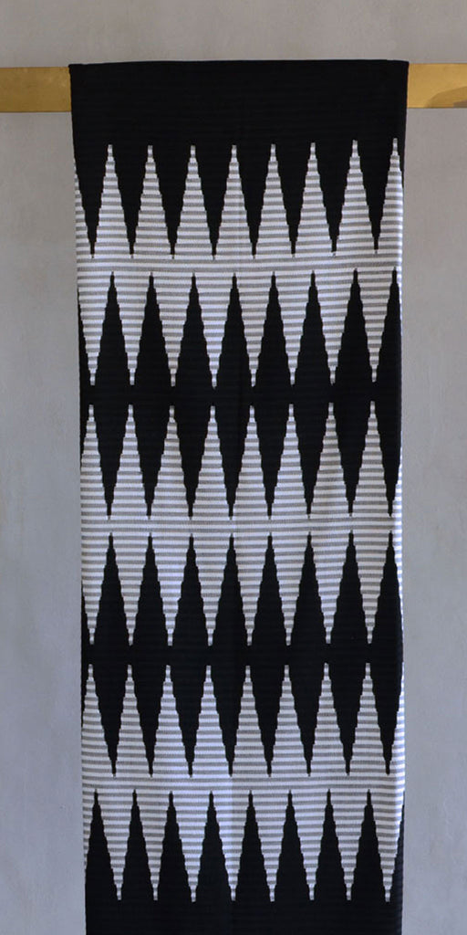 Rang Rang Cotton Throw - Black Zig Zag