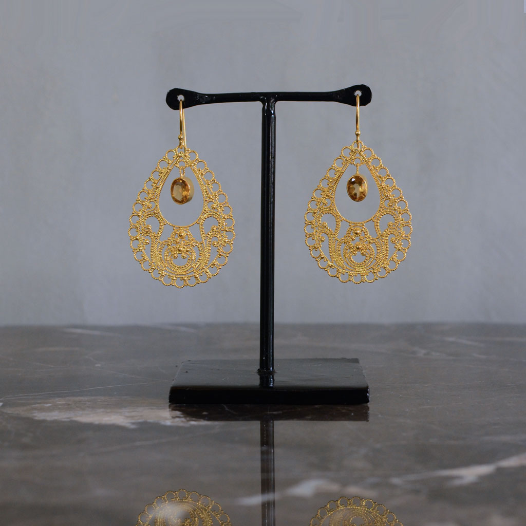 Teardrop Earring in Gold