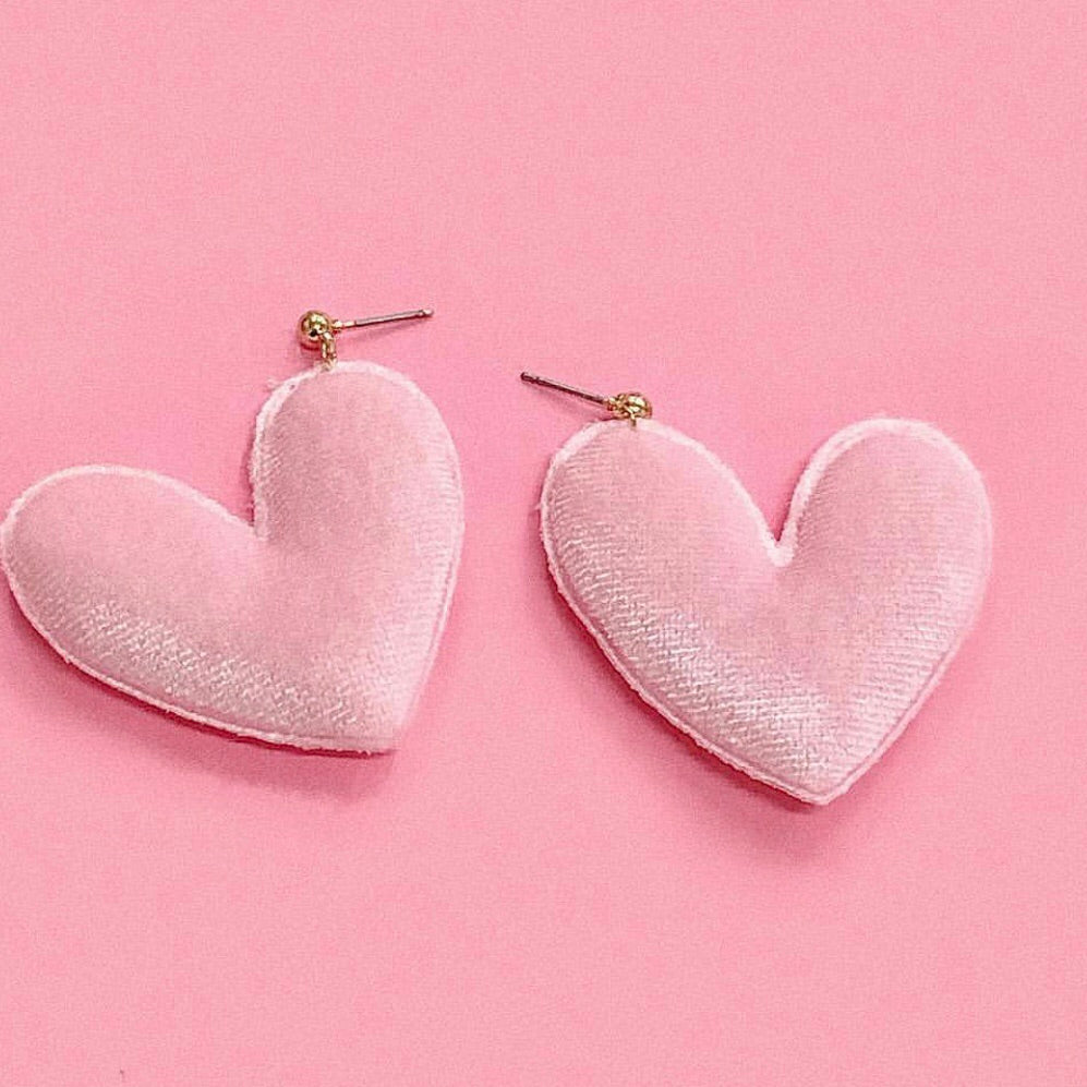 Suave Heart Earrings