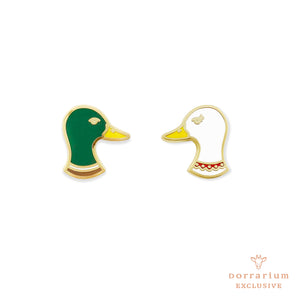 Duck Romance Pin Set - DORRARIUM Lapel pin vintage surplus
