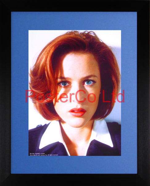 "Gillian Anderson as Dana Scully - X-files Promo - Framed print 16""H x 12""W"