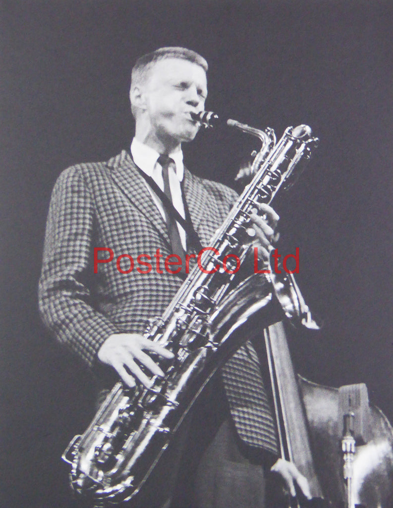Gerry Mulligan - Playing a Saxophone