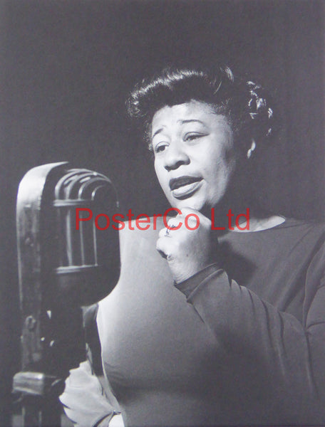 Ella Fitzgerald - Singing at the Mic