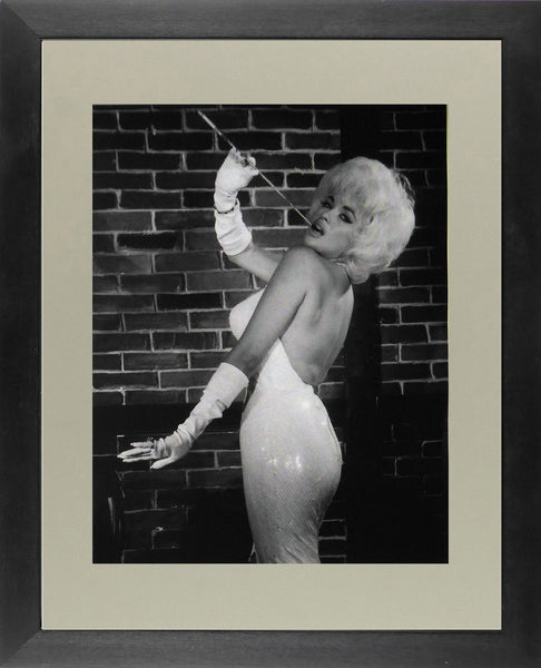 Jayne Mansfield, smoking