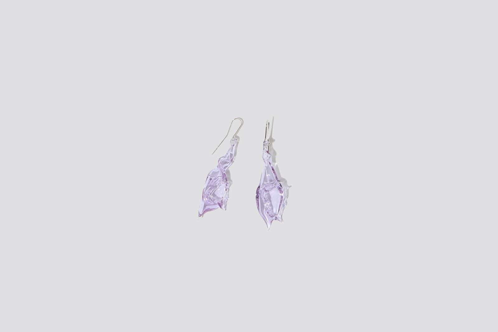 Mini Glass Conch Earring - MAIMOUN