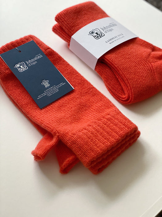 Cashmere Wrist Warmers in Tang