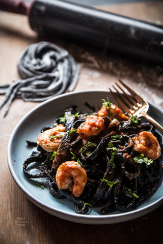 Greek Squid Ink Hilopites / Tagliatelles with Tuna and Extra Virgin Olive Oil