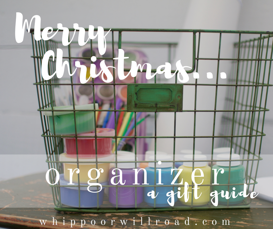 Organizer {a gift guide}
