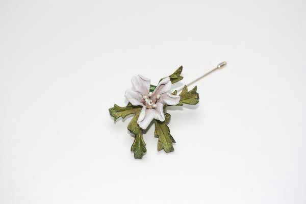 Floral Lapel Pin in White