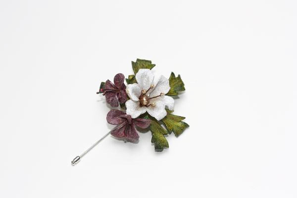 Blossom White Lapel Pin