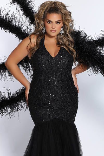Plus Size Model Misia O'Brien with IPM Model Management models for Sydney's Closet style SC7287 in onyx mermaid