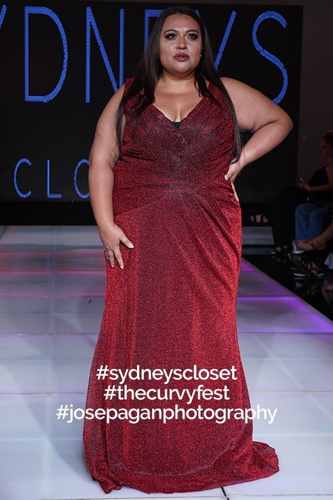 SC7263 Sydney's Closet Plus Size fitted mermaid dress black, red, blue shimmer with bra-friendly straps @thecurvyfest Cancun, Mexico
