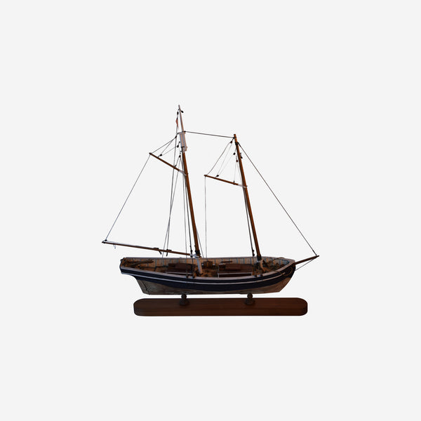 (Swift) MODEL OF A Pilot Schooner - Tonkin of Nantucket - English and French Antique Furniture and Accessories