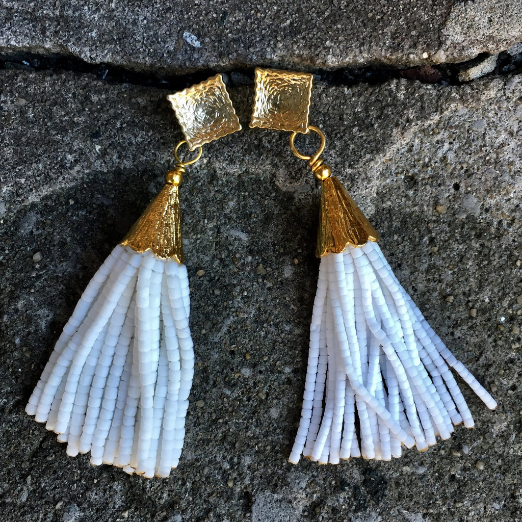 Short Tassel Earrings | White - burnmark