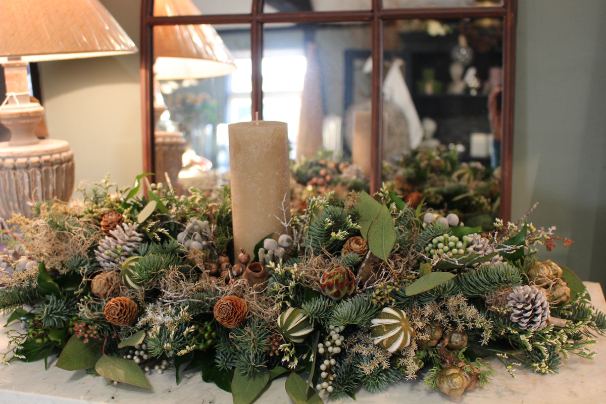 Christmas long table flowers