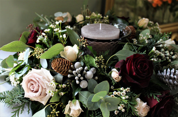 Christmas round table flowers