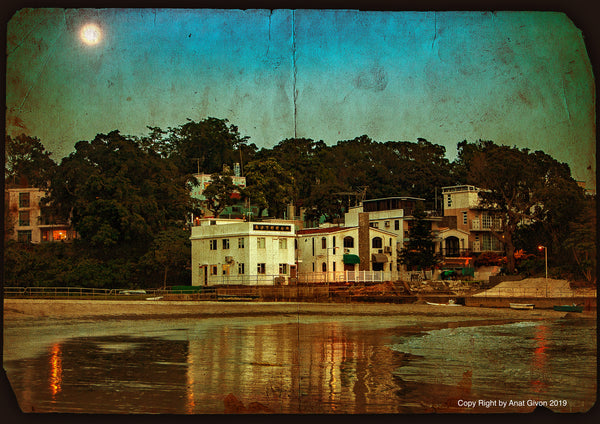 SooqCentral:Moon Rises Over Lower Cheung Sha Beach