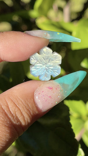 Load and play video in Gallery viewer, Carved Mini Labradorite Snowflake (1)