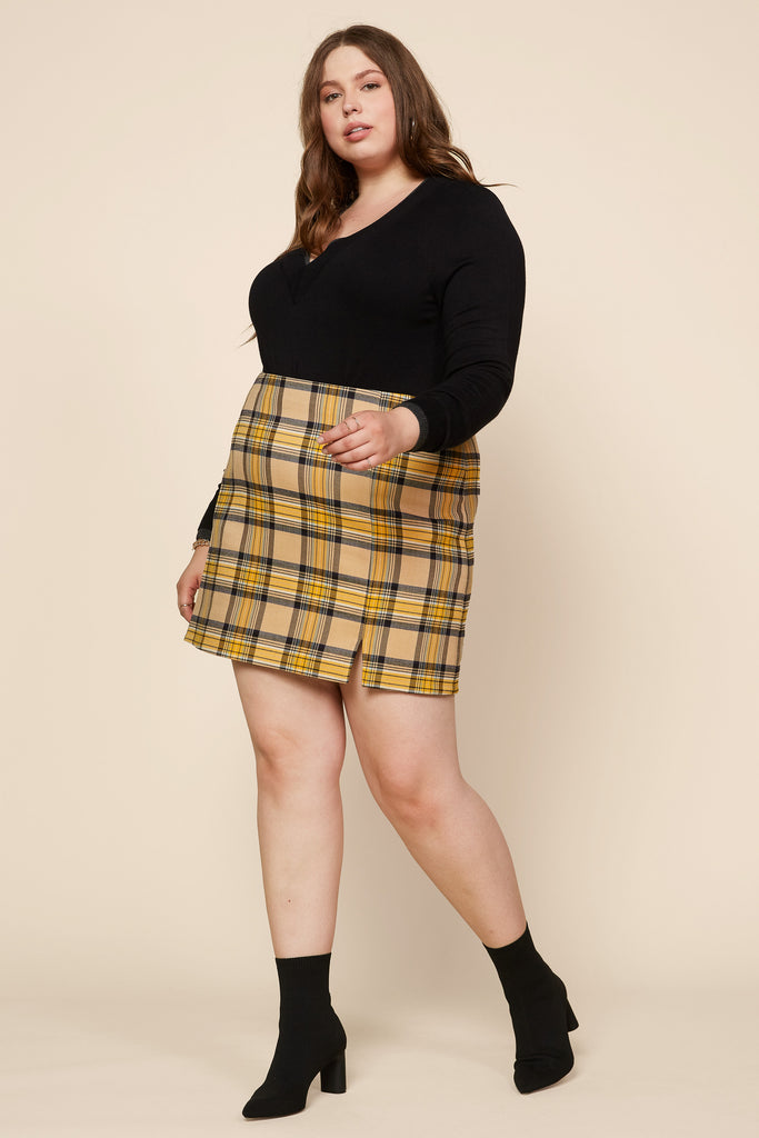 Plus Size - Plaid Slit Mini Skirt