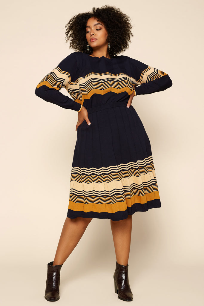 Plus Size - Chevron Pattern Knit Skirt