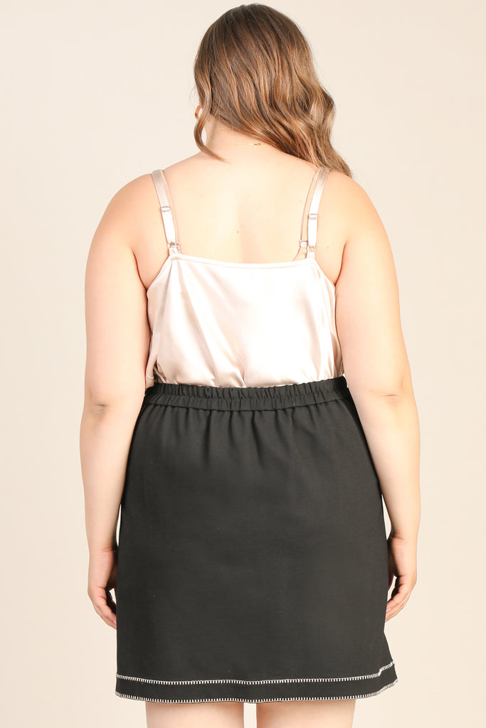 Plus Size - Contrast Threaded Mini Skirt