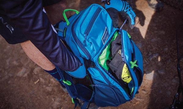 Dakine Drafter 14L Hydration Backpack - TechSmartWear